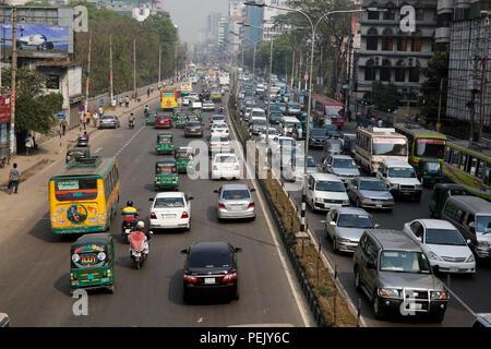 Heavy traffic on the Kazi Nazrul Islam Avenue in Dhaka, Bangladesh - Stock Photo