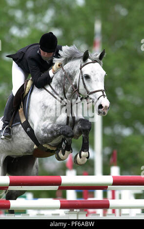 The National, Spruce Meadows, June 2001, Paige Rassas (USA) riding Chica Bay, Akita Drilling Cup - Stock Photo