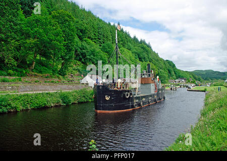 VIC 96 steamboat on Crinan Canal - Stock Photo