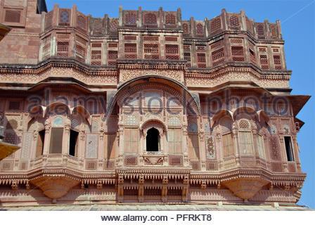 India, Rajasthan, Jodphur, Mehrangarh Fort, Phool Mahal (Palace of Flowers), facade - Stock Photo