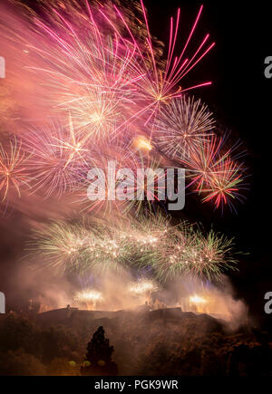 Edinburgh, UK. Monday 27th of August 2018: Edinburgh's festivals season culminates with the Virgin Money Fireworks Concert. Ross Bandstand, Princes Street Gardens. The spectacular Virgin Money Fireworks Concert brings together unforgettable orchestral classics from Edinburgh's own Scottish Chamber Orchestra, and awe-inspiring fireworks, specially choreographed by international fireworks artists Pyrovision to enhance your musical experience – all set against the magnificent, historic backdrop of Edinburgh Castle.  Credit: Andrew O'Brien/Alamy Live News - Stock Photo