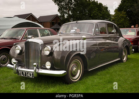UK, England, Cheshire, Stockport, Woodsmoor Car Show, classic 1960 Bentley S2 saloon car on display - Stock Photo
