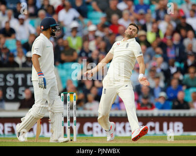 Kia Oval, London, UK. 8th Sep, 2018. Specsavers International Test Match Cricket, 5th test, day 2; James Anderson of England Credit: Action Plus Sports/Alamy Live News - Stock Photo