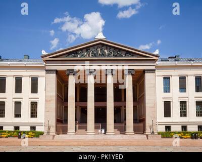University of Oslo Faculty of Law (Domus Media) neoclassical facade, University Square, Central Oslo, Norway, Scandanavia - Stock Photo