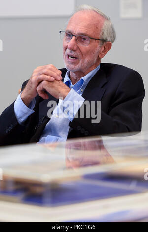 London, UK.  12 September 2018.  Internationally renowned architect and Honorary Royal Academician Renzo Piano at a preview of 'Renzo Piano: The Art of Making Buildings', an exhibition comprising 16 of his most significant projects.  The exhibition runs 15 September to 20 January 2019 at the Royal Academy of Arts in Piccadilly.  Credit: Stephen Chung / Alamy Live News - Stock Photo