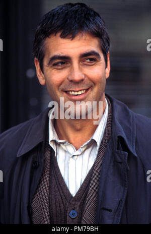 Film Still from 'One Fine Day' George Clooney Photo Credit: Myles Aronowitz © 1996 20th Century Fox  File Reference # 31042306THA  For Editorial Use Only - All Rights Reserved - Stock Photo