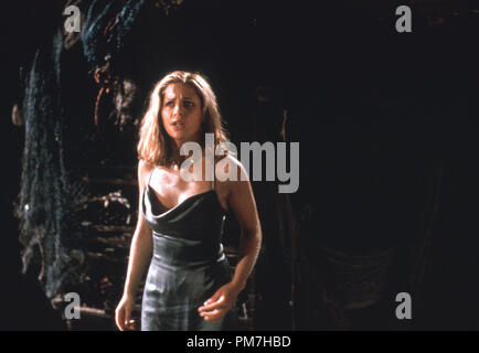 Film Still from 'I Know What You Did Last Summer' Sarah Michelle Gellar © 1997 Mandalay Photo Credit: Robert Zuckerman  File Reference # 31013295THA  For Editorial Use Only - All Rights Reserved - Stock Photo