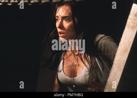 Film Still from 'I Know What You Did Last Summer' Jennifer Love Hewitt © 1997 Mandalay Photo Credit: Robert Zuckerman  File Reference # 31013297THA  For Editorial Use Only - All Rights Reserved - Stock Photo