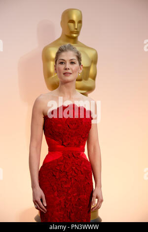 Rosamund Pike, Oscar® nominee for Best Actress in a Leading Role, for work on 'Gone Girl,' arrives for the live ABC Telecast of The 87th Oscars® at the Dolby® Theatre in Hollywood, CA on  Sunday, February 22, 2015.  File Reference # 32566_279THA  For Editorial Use Only -  All Rights Reserved - Stock Photo
