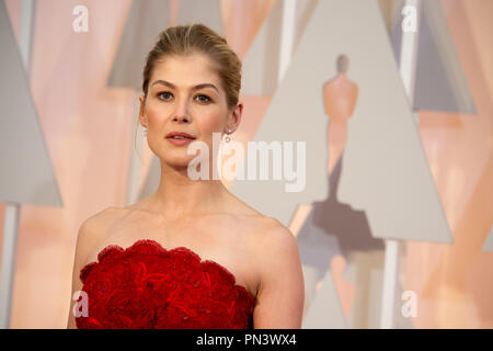 Rosamund Pike, Oscar® nominee for Best Actress in a Leading Role, for work on 'Gone Girl,' arrives for the live ABC Telecast of The 87th Oscars® at the Dolby® Theatre in Hollywood, CA on  Sunday, February 22, 2015.  File Reference # 32566_281THA  For Editorial Use Only -  All Rights Reserved - Stock Photo