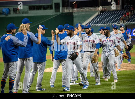 Washington, United States Of America. 20th Sep, 2018. New York Mets celebrate their twelve inning 5 - 4 victory over the Washington Nationals at Nationals Park in Washington, DC on Thursday, September 20, 2018. Credit: Ron Sachs/CNP (RESTRICTION: NO New York or New Jersey Newspapers or newspapers within a 75 mile radius of New York City) | usage worldwide Credit: dpa/Alamy Live News - Stock Photo