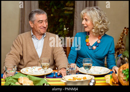 Prod DB © Paramount Pictures -  Universal Pictures - Tribeca Productions / DR MON BEAU-PERE ET NOUS (LITTLE FOCKERS) de Paul Weitz 2010 USA avec Robert De Niro et Blythe Danner suite, sequelle, couple, repas - Stock Photo