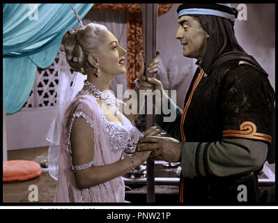 Prod DB © Universal / DR LE PRINCE DE BAGDAD (THE VEILS OF BAGDAD) de George Sherman 1953 USA avec Mari Blanchard et Victor Mature prince arabe, tendresse - Stock Photo