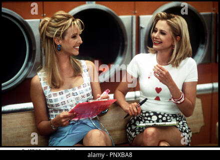 Prod DB © Touchstone Pictures /  DR ROMY AND MICHELE'S HIGH SCHOOL REUNION de David Mirkin 1997 USA avec Lisa Kudrow et Mira Sorvino laverie, midinettes - Stock Photo