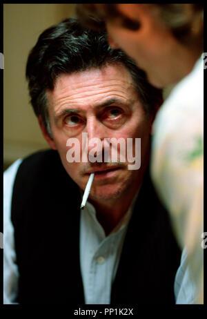 Prod DB © Grosvenor Park - CBL / DR SPIDER (SPIDER) de David Cronenberg 2002 USA avec Gabriel Byrne portrait, cigarette roulee d'apres le roman de Patrick McGrath - Stock Photo