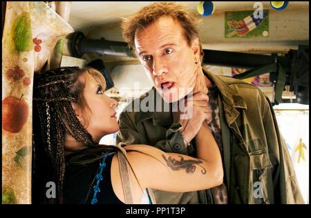 Prod DB © Universal Pictures - Wild Bunch / DR SOUTHLAND TALES de Richard Kelly 2006 USA avec Christophe Lambert etrangler, tueuse - Stock Photo