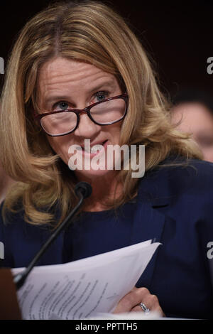 Washington, District of Columbia, USA. 27th Sep, 2018. Christine Blasey Ford, the woman accusing Supreme Court nominee Brett Kavanaugh of sexually assaulting her at a party 36 years ago, testifies before the US Senate Judiciary Committee on Capitol Hill in Washington, DC, September 27, 2018. Credit: ZUMA Press, Inc./Alamy Live News. - Stock Photo