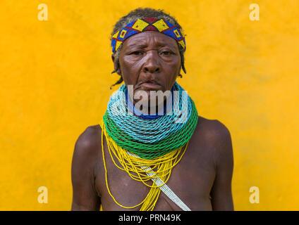 Portrait of a Mungambue tribe woman portrait, Huila Province, Chibia, Angola - Stock Photo
