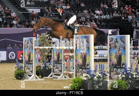 Birmingham, UK. 5th October, 2018. Matthew Sampson (GBR) riding 'Doriena'. International showjumping. Grandstand welcome stakes. Horse of the year show (HOYS). National Exhibition Centre (NEC). Birmingham. UK. 05/10/2018. Credit: Sport In Pictures/Alamy Live News - Stock Photo