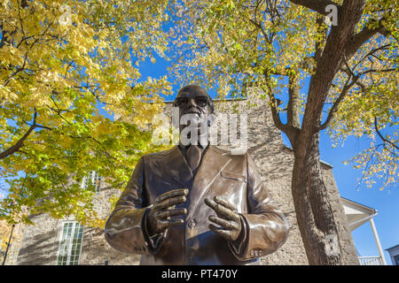 Canada, Quebec, Montreal, The Old Port, statue of Jean Drapeau, former Montreal mayor - Stock Photo