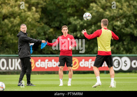 Cardiff, UK. 8th Oct 2018. Vale Resort  - Cardiff - Wales - 8th October 2018 Wales Football Manager Ryan Giggs during training ahead of Wales's game against Spain at the Principality Stadium in Cardiff on Thursday evening. Credit: Phil Rees/Alamy Live News - Stock Photo