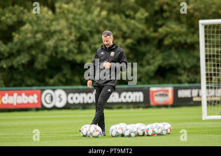 Cardiff, UK. 8th Oct 2018. Vale Resort  - Cardiff - Wales - 8th October 2018 Wales Football Manager Ryan Giggs during training ahead of Wales's game against Spain at the Principality Stadiuk in Cardiff on Thursday evening. Credit: Phil Rees/Alamy Live News - Stock Photo