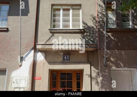Wien, Gemeindebau des 'Roten Wien' - Vienna, Council Tenement Block, 'Red Vienna', Marktgasse 45, Ernst Brandl - Stock Photo