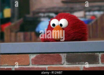 New York, NY, USA. 08th Nov, 2018. 2018 Elmo at Today Show to talk about new season of Sesame Street in New York November 08, 2018 Credit: Rw/Media Punch/Alamy Live News - Stock Photo