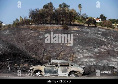 Malibu, California, USA. 12th Nov, 2018. The remains of a vehicle on the side of the; CA 1 FWY South. Credit: Chris Rusanowsky/ZUMA Wire/Alamy Live News - Stock Photo