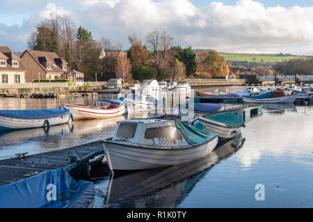 Balloch, Scotland, UK. 13th November, 2018. UK Weather. Balloch Marina and the River Leven during sunshine and showers on a cold afternoon in the town of Balloch on the southern shores of Loch Lomond. Credit: Skully/Alamy Live News - Stock Photo
