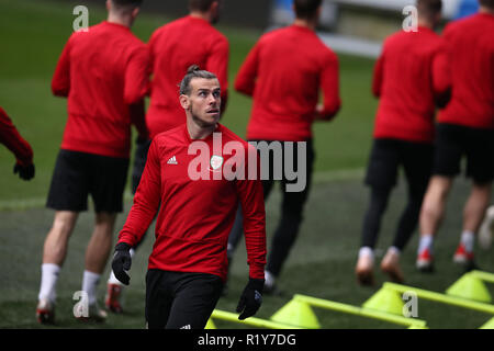 Cardiff, Wales, UK. 15th Nov 2018. Gareth Bale of Wales in action during the Wales football squad training at the Cardiff City Stadium in  Cardiff , South Wales on Thursday 15th November 2018.  the team are preparing for their UEFA Nations League match against Denmark tomorrow.   pic by Andrew Orchard/Alamy Live News - Stock Photo