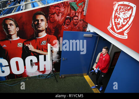 Cardiff, Wales, UK. 15th November, 2018. Wayne Hennessey of Wales  arrives for the Wales football squad training at the Cardiff City Stadium in  Cardiff , South Wales on Thursday 15th November 2018.  the team are preparing for their UEFA Nations League match against Denmark tomorrow.   pic by Andrew Orchard/Alamy Live News - Stock Photo