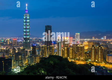 City skyline and Taipei 101 building in the Xinyi district, Taipei, Taiwan, Asia - Stock Photo
