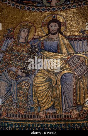 Rom, Roma, Santa Maria in Trastevere, Mosaiken in der Apsis, 12. Jahrhundert, Christus mit Maria - Stock Photo
