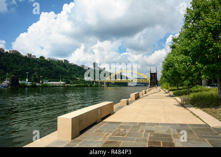 The Three Rivers Heritage Trail is a multi-use riverfront 24-mile nonlinear trail system in the Pittsburgh, Pennsylvania, USA region. - Stock Photo