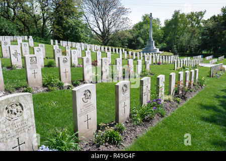 British Commonwealth war grave, view of headstones of British soldiers who fought in two world wars in the Garrison Cemetery in Poznan (Posen), Poland - Stock Photo