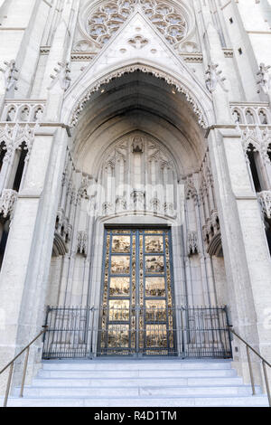 Ghiberti doors ('Gates of Paradise') of Grace Cathedral. - Stock Photo