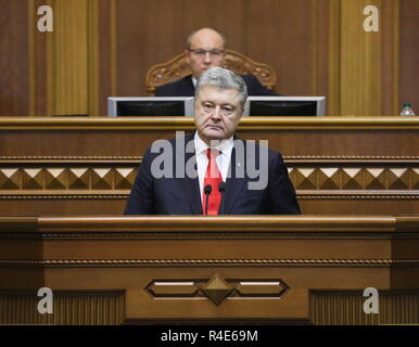 Kiev, Ukraine. 26th Nov, 2018. KIEV, UKRAINE - NOVEMBER 26, 2018: Ukraine's President Petro Poroshenko (front) addresses a special meeting of the Ukrainian Verkhovna Rada to discuss the presidential decree on martial law. Mikhail Palinchak/Press Office of the President of Ukraine/TASS Credit: ITAR-TASS News Agency/Alamy Live News - Stock Photo