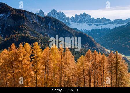 Mountains, Geisler Gruppe/ Geislerspitzen, Dolomites, Trentino-Alto Adige, Italy - Stock Photo