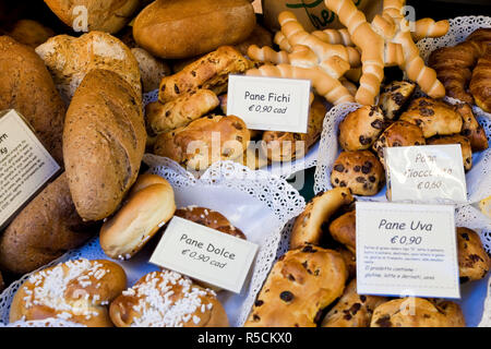 Bread shop window, Bergamo, Lombardy, Italy - Stock Photo