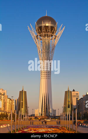 Kazakhstan, Astana, Nurzhol Bulvar - central boulevard, Bayterek Towerand twin golden conical business centres - Stock Photo
