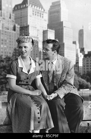 IT SHOULDN'T HAPPEN TO YOU 1954 Columbia Pictures film with Judy Holliday and Jack Lemmon - Stock Photo