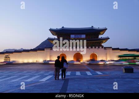 Korea, Seoul, Gyeongbokgung Palace, Gwanghwamun - the main gate of the Palace - Stock Photo