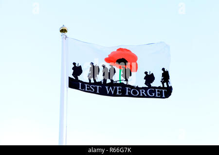 Lest We Forget, Remembrance, flag, banner, fallen heroes, military, We Shall Remember Them, UK - Stock Photo