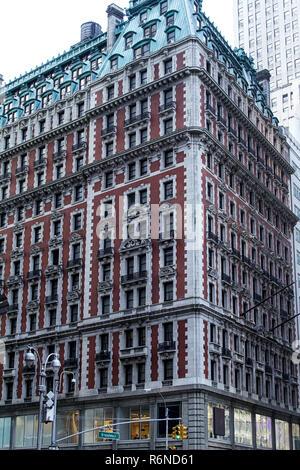 Knickerbocker hotel bricks architecture broadway New York manhattan - Stock Photo