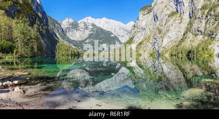 Watzmann spiegelt sich im Obersee, Salet am Königssee, Berchtesgadener Land, Nationalpark Berchtesgaden, Oberbayern, Bayern, Deutschland - Stock Photo