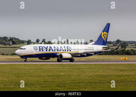 A Ryanair Boeing 737-8AS airliner, registration EI-DPD, taking off from London Luton Airport in England. - Stock Photo