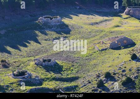 Traditional snow wells and dwellings in ruins, Sierra Espuña massif, Murcia (Southeastern Spain) - Stock Photo