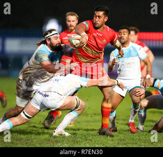 Coventry, UK. 8th December 2018. Dan Faleafa on the rampage for Coventry during the Championship Cup match played between Coventry rfc and Doncaster Knights rfc at the Butts Park Arena, Coventry. Credit: Phil Hutchinson/Alamy Live News - Stock Photo