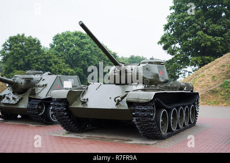 BREST, BELARUS - SEPTEMBER 4, 2015: tanks (T-44 and SU-100) in Brest Fortress, military monument - Stock Photo